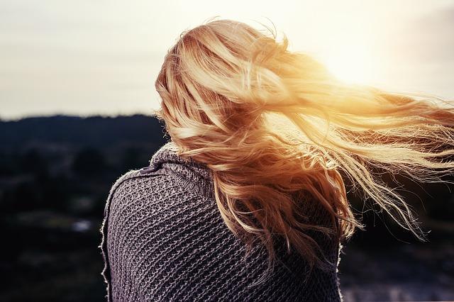 Zadbaj o swoje suche włosy